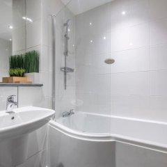 Отель Lovely 2 Bed Flat - Airport/piccadilly Friendly ванная фото 2
