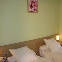 Отель Tipi сейф в номере