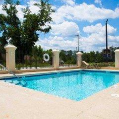 Отель Country Inn & Suites by Radisson, Midway, FL бассейн фото 3