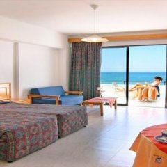 Corallia Beach Hotel Apartments in Paphos, Cyprus from 74$, photos, reviews - zenhotels.com guestroom photo 3