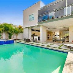 Отель Villa Giselle США, Лос-Анджелес - отзывы, цены и фото номеров - забронировать отель Villa Giselle онлайн бассейн фото 2