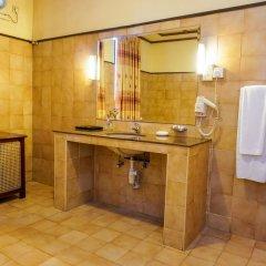 Grand Oriental Hotel ванная