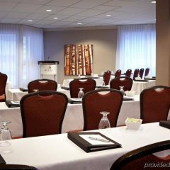 Отель Delta Hotels by Marriott Montreal