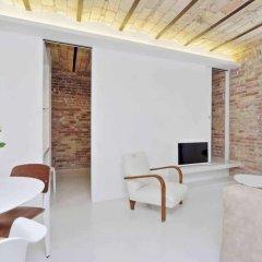 Отель Charming flat near Colosseum Рим комната для гостей фото 2