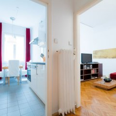 Апартаменты Vienna Residence Conventient Apartment for 2 With Perfect Airport Connection Вена комната для гостей фото 4
