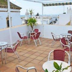 Отель Hostal Campito Испания, Кониль-де-ла-Фронтера - отзывы, цены и фото номеров - забронировать отель Hostal Campito онлайн бассейн фото 3
