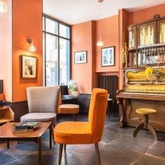 Отель Hôtel Boris V. by Happyculture интерьер отеля