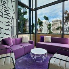 Отель YOTEL Singapore Orchard Road Сингапур гостиничный бар