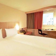 Отель Ibis Kortrijk Centrum Бельгия, Кортрейк - 1 отзыв об отеле, цены и фото номеров - забронировать отель Ibis Kortrijk Centrum онлайн комната для гостей фото 2