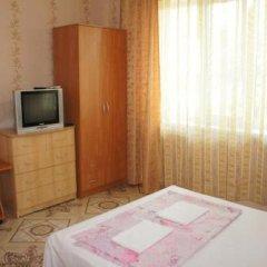 Гостиница 98 Kati Solovyanovoy Guest House в Анапе отзывы, цены и фото номеров - забронировать гостиницу 98 Kati Solovyanovoy Guest House онлайн Анапа удобства в номере фото 2