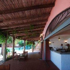 Отель Arbatax Park Resort Borgo Cala Moresca гостиничный бар