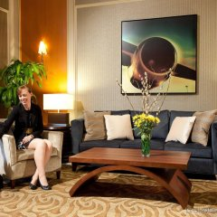 Отель Pacific Gateway Hotel Канада, Ричмонд - отзывы, цены и фото номеров - забронировать отель Pacific Gateway Hotel онлайн интерьер отеля фото 2