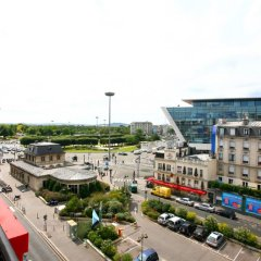 Отель Fertel Maillot Париж балкон