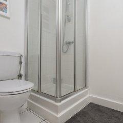 Отель 2 Bedroom Flat in Kensal Rise Великобритания, Лондон - отзывы, цены и фото номеров - забронировать отель 2 Bedroom Flat in Kensal Rise онлайн ванная фото 2
