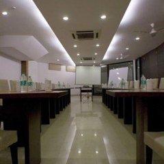 Отель Le Grand Индия, Нью-Дели - отзывы, цены и фото номеров - забронировать отель Le Grand онлайн гостиничный бар
