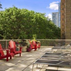 Отель Ramada Plaza by Wyndham Toronto Downtown Канада, Торонто - отзывы, цены и фото номеров - забронировать отель Ramada Plaza by Wyndham Toronto Downtown онлайн балкон