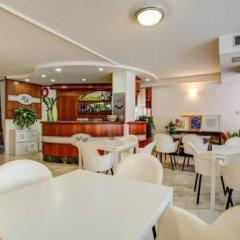 Отель Konrad Римини гостиничный бар