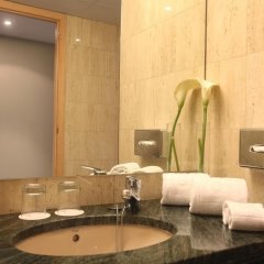 Отель Golden Tulip Andorra Fènix ванная фото 2