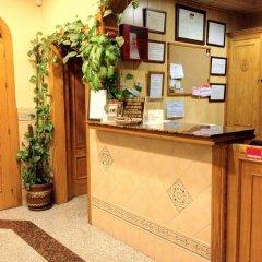 Отель Hostal Los Corchos интерьер отеля