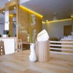 Отель Pine Lodge Мальдивы, Мале - отзывы, цены и фото номеров - забронировать отель Pine Lodge онлайн помещение для мероприятий