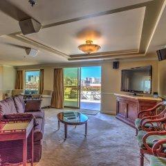 Отель Embassy Suites by Hilton Convention Center Las Vegas комната для гостей фото 2