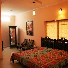 Suryaa Villa - A City Centre Hotel в номере