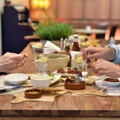 Отель Hyatt Regency Paris Etoile Франция, Париж - 11 отзывов об отеле, цены и фото номеров - забронировать отель Hyatt Regency Paris Etoile онлайн питание фото 2
