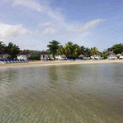Отель Royal Decameron Club Caribbean Resort - ALL INCLUSIVE Ямайка, Монастырь - отзывы, цены и фото номеров - забронировать отель Royal Decameron Club Caribbean Resort - ALL INCLUSIVE онлайн пляж