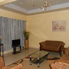 Отель Malbert Inn Guest House Гана, Аккра - отзывы, цены и фото номеров - забронировать отель Malbert Inn Guest House онлайн интерьер отеля