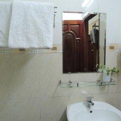 Отель Nhat Tan Hotel Вьетнам, Далат - отзывы, цены и фото номеров - забронировать отель Nhat Tan Hotel онлайн ванная фото 2