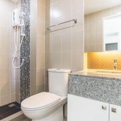Отель Ratchaporn Place By Favstay ванная