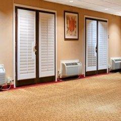 Отель BEST WESTERN PLUS Brookside Inn сейф в номере