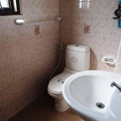 Апартаменты Parinyas Apartment Паттайя ванная