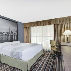 Отель Super 8 Downtown Toronto комната для гостей фото 3