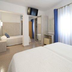 Отель Hostal Roca Испания, Сан-Антони-де-Портмань - 4 отзыва об отеле, цены и фото номеров - забронировать отель Hostal Roca онлайн комната для гостей фото 4