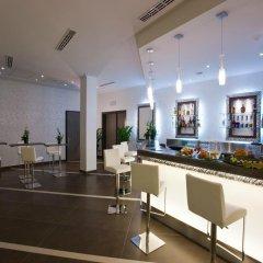 Отель Cosmopolitan Bologna гостиничный бар