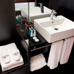 Отель Axel Hotel Berlin Германия, Берлин - 7 отзывов об отеле, цены и фото номеров - забронировать отель Axel Hotel Berlin онлайн ванная