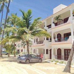 Отель Los Corales Villas & Aparts Ocean View Доминикана, Пунта Кана - отзывы, цены и фото номеров - забронировать отель Los Corales Villas & Aparts Ocean View онлайн парковка