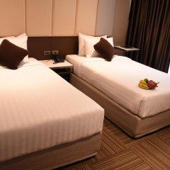 Отель Two Three Mansion Бангкок комната для гостей