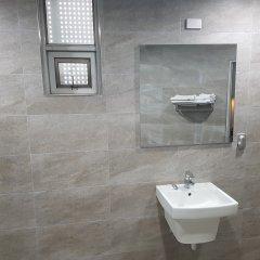 New Boolim Tourist Hotel ванная