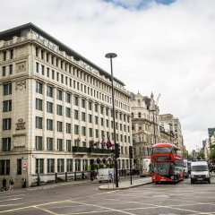 Отель Crowne Plaza London - The City городской автобус