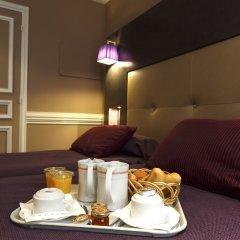 Отель Elysées Hôtel в номере фото 2