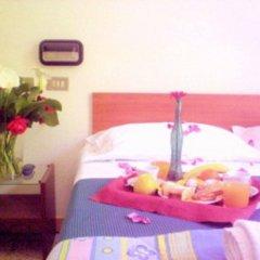 Hotel Criss комната для гостей