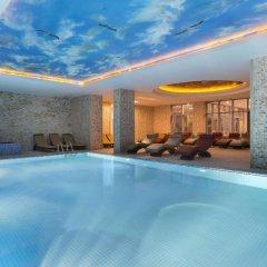 Ramada Hotel & Suites Atakoy Турция, Стамбул - 1 отзыв об отеле, цены и фото номеров - забронировать отель Ramada Hotel & Suites Atakoy онлайн бассейн
