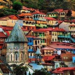 Отель Тбилисели Тбилиси приотельная территория фото 2