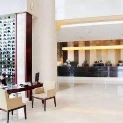 Отель Shenzhen Century Kingdom Hotel, East Railway Station Китай, Шэньчжэнь - отзывы, цены и фото номеров - забронировать отель Shenzhen Century Kingdom Hotel, East Railway Station онлайн гостиничный бар