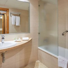 Отель NH Ciudad de Valencia комната для гостей фото 8