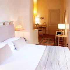 Отель J and J комната для гостей