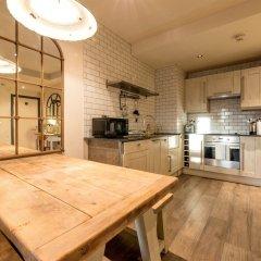 Апартаменты Spacious 2 Bedroom Apartment in Manchester City Centre в номере