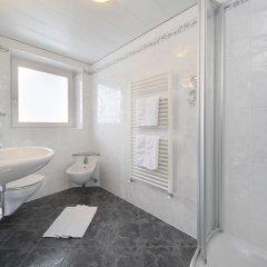 Отель Alpenblick Италия, Горнолыжный курорт Ортлер - отзывы, цены и фото номеров - забронировать отель Alpenblick онлайн ванная